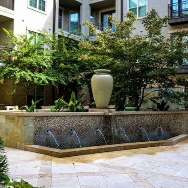 Happy Monday Trinity Commons Residents! Have you enjoyed the calming effects of the water feature in our courtyard yet? Add in the warm summer rays, gorgeous greenery, and rocking chairs, and this courtyard is the perfect way to unwind after a long day! #trinitycommons #thisisNWRliving #amenityspotlight #waterislife #manicMonday